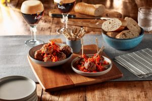 Leffe - food photography by Erik de Koning - meatballs and a glasses of beer