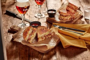 Leffe - food photography by Erik de Koning - sandwich and beer