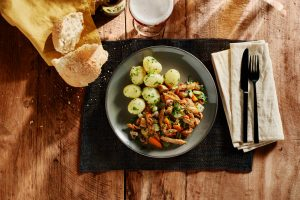 Leffe - food photography by Erik de Koning - top shot potato and meat dish